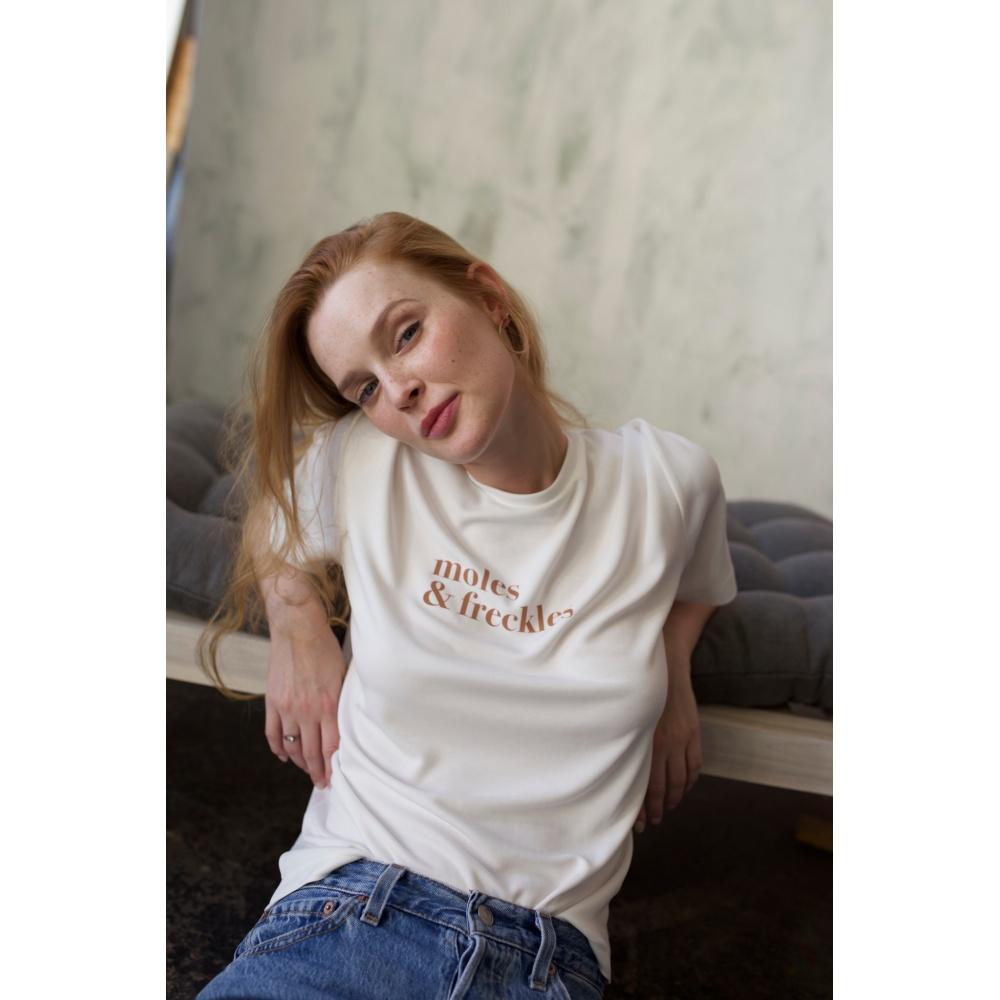T-shirt z logo MOLES&FRECKLES