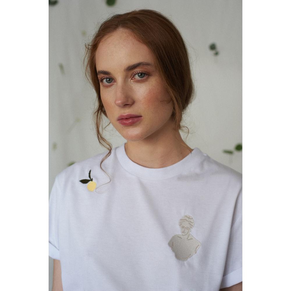 Bawełniany t-shirt z haftem vintage MOMU WARSAW
